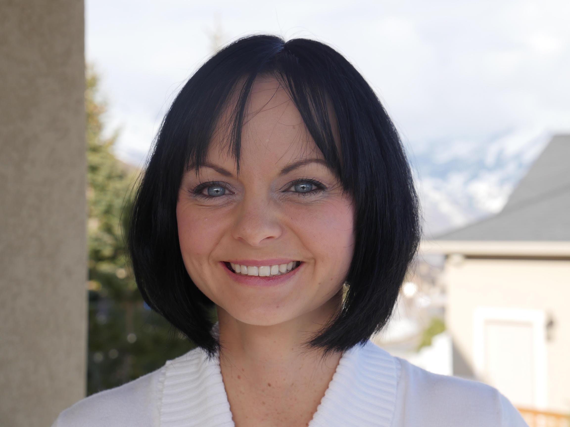 Unified Family Therapist Aleksandra Sinclair ACMHC in Draper, Utah